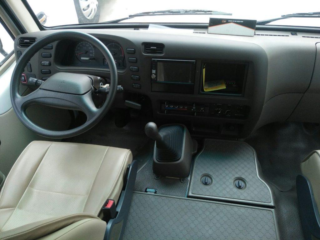 Khoang lái xe khách fuso 22 ghế