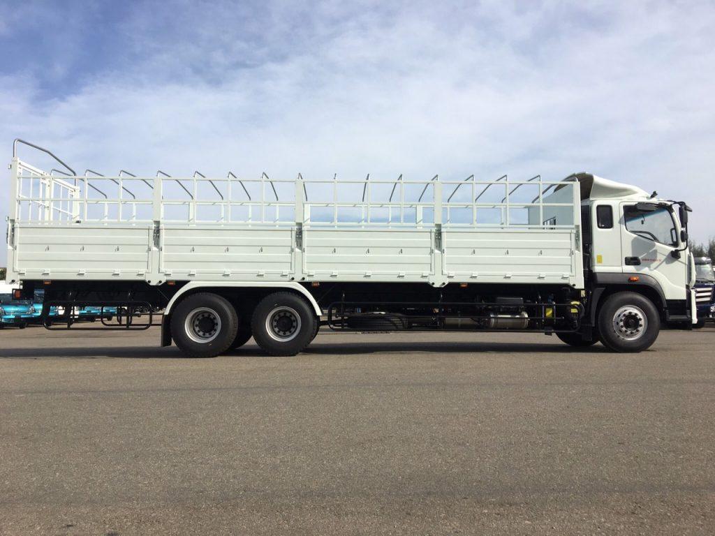 Xe tải 3 chân thaco auman c240