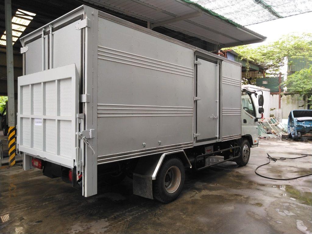 Xe tải 3.5 tấn thaco bửng nâng